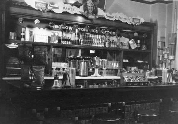 Black and white soda fountains pictures to pin on for Old fashioned pharmacy soda fountain