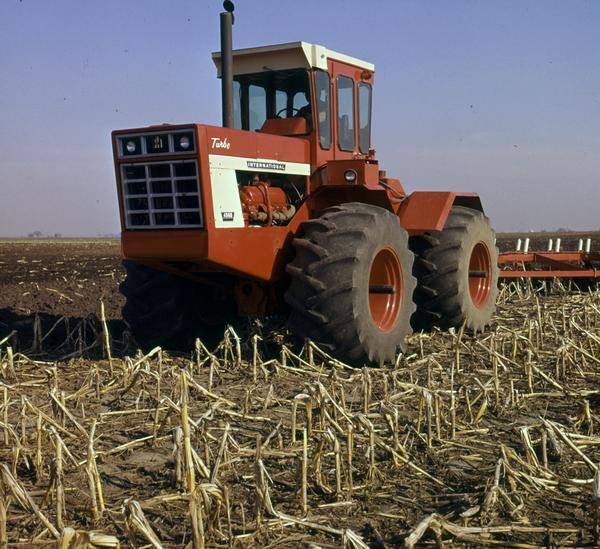 How to Purchase a Copy International Tractor In Field