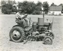 Alfred Schlepman on Farmall Cub