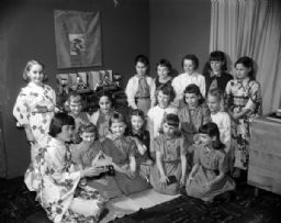 Brownies with Japanese Dolls and Kimonos