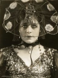 Publicity Still of Valeska Suratt
