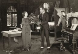 Dorothy Phillips and Rudolph Valentino, Scene Still