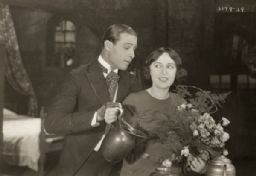 Rudolph Valentino and Dorothy Phillips, Scene Still