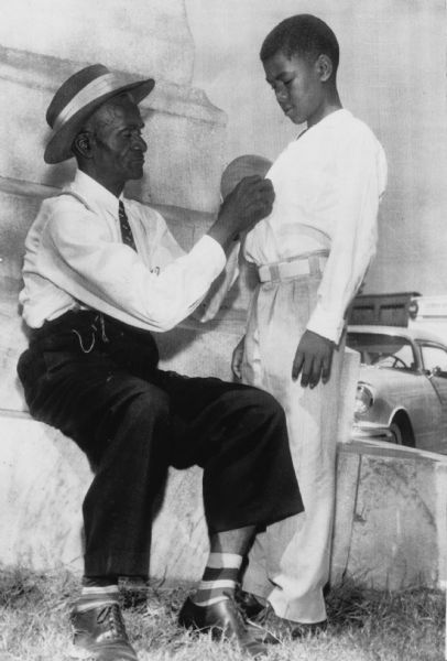 emmett till and tom robinson cases Tom robinson tom robinson is a negro he walks past the ewell's house every afternoon to get to his own on the way past, he sees mayella ewell, the daughter of the drunken mess, bob ewell.