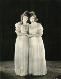 Lillian Gish and Dorothy Gish