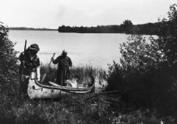 Native Americans Launch a New Canoe