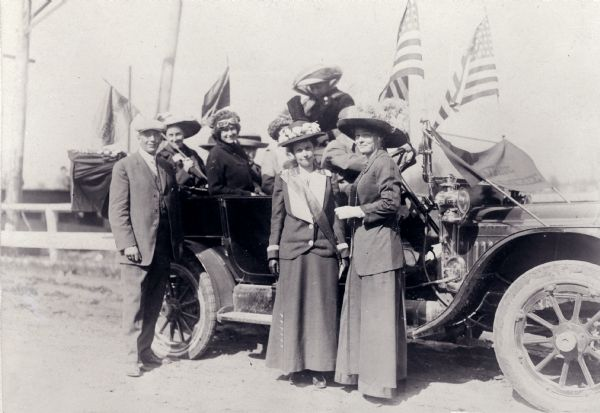 Ada James (center) with supporters of the Suffrage movement. Campaign for Woman Suffrage in Wisconsin, ca. 1911-1912.
