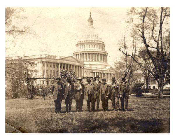Survivors of the <i>Titanic</i> sinking with Congressman William J. Cary and his Secretary, Richard P. Momsen, in front of the United States Capitol.