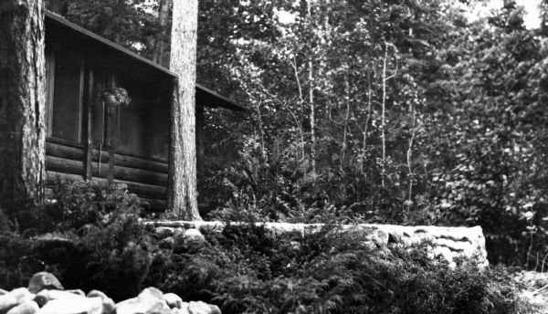 Leo Capser's cabin on Madeline Island prior to construction of an addition. The cabin is located west of Grant's Point.