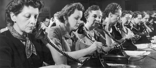 Women campaign workers call voters to support the Labor Political League and vote for candidates sympathetic to Labor issues.