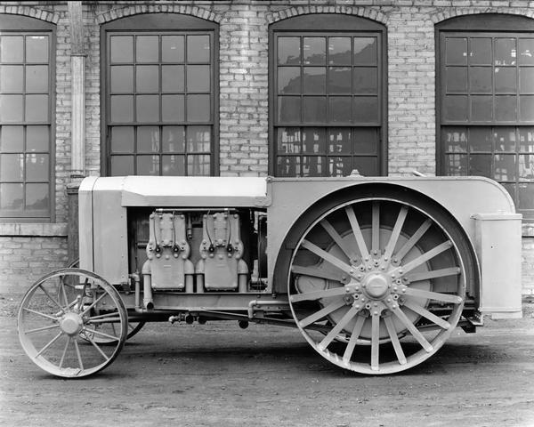Engineering photograph of an experimental International 12-22 tractor.
