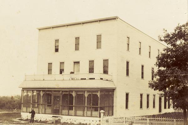 Balsam Lake Hotel