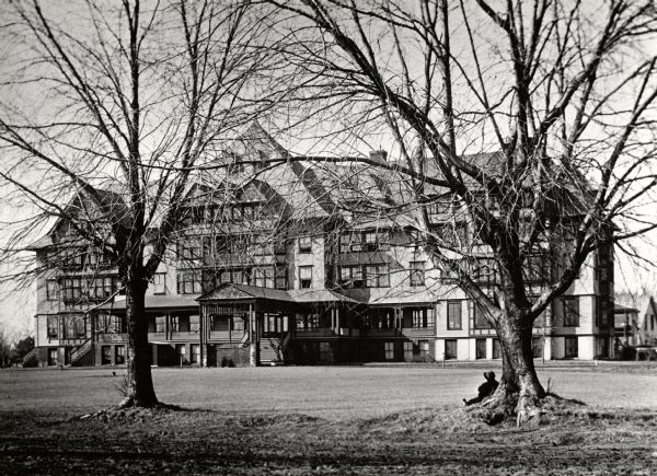 The Pennoyer Sanitarium, later called the Pennoyer Home. The structure was built in 1890 on the north end of Milwaukee Avenue. It was later used as St. Catherine's Hospital until it was razed about 1930.