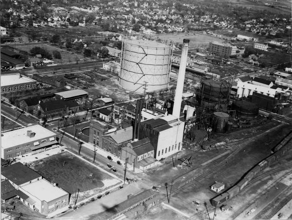 Aerial view of a Madison Gas and Electric steam plant.