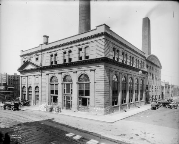 The Oneida Street (East Wells) power plant, on the north side of Wells and east of the Milwaukee River. Presently, the building is the Milwaukee Repertory Theater.
