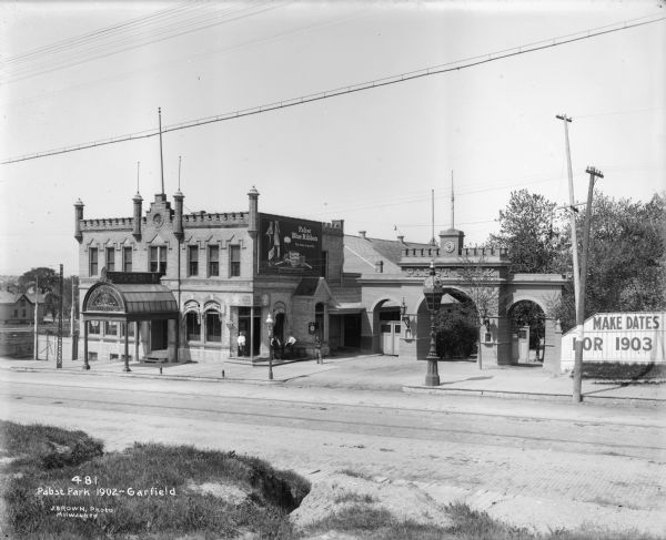 The Pabst Park beer garden and Park Bar at N. 3rd Street and W. Garfield Avenue (later renamed Garfield and Rose Park).
