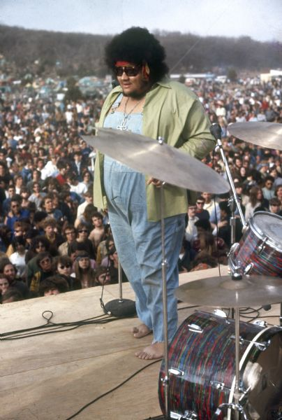 baby huey on stage with drums