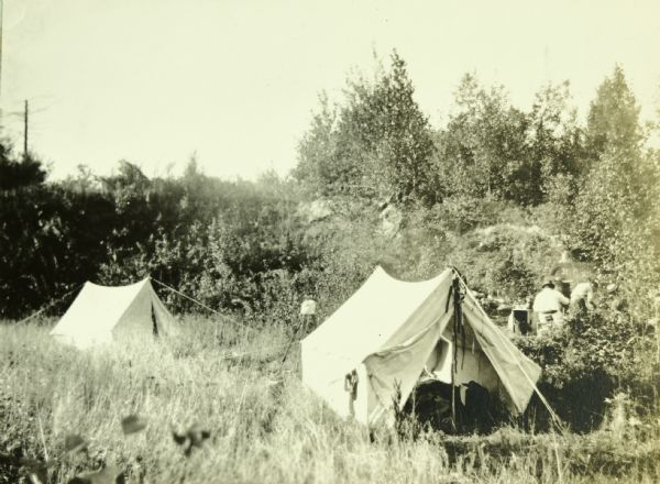 The Gang setting up camp in Borrow Pit.