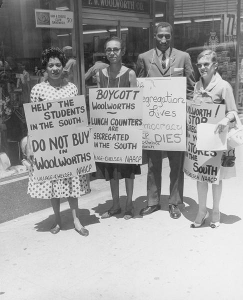 Daisy Bates and others at Woolworth's boycott.