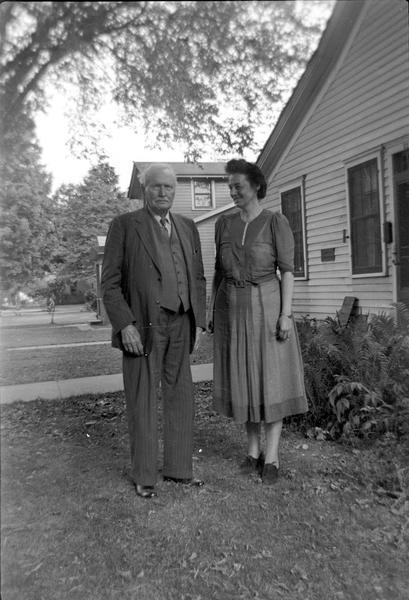 Dr. William Reese, a Welsh tenor, and song collector Helene Stratman-Thomas.