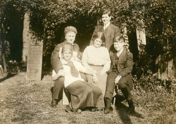 Robert M. La Follette, Sr. with his family, Mary, Belle Case La Follette, Robert, Jr. (standing), and Philip in Washington, D.C.